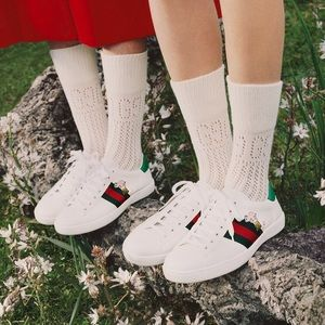 $690 Gucci ace sneakers with embroidered kitten